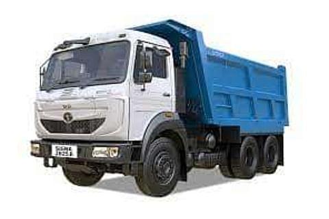 Tata Signa 2825.K/.TK Truck