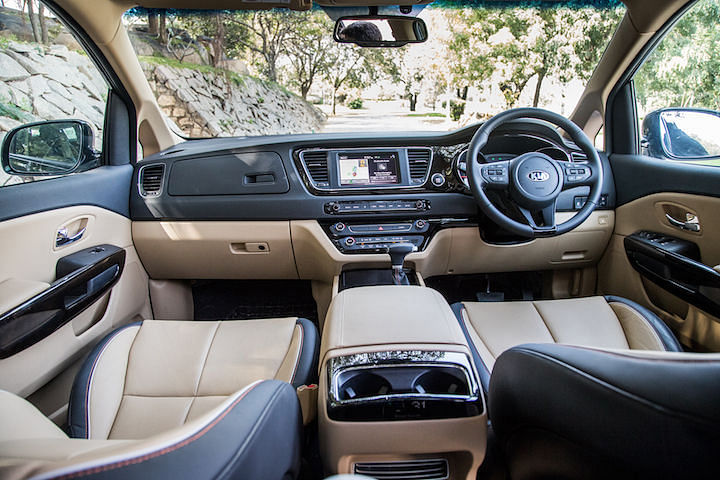 Kia Carnival Pros and Cons