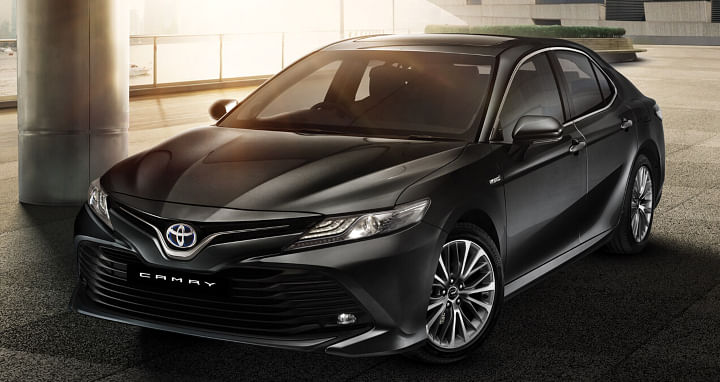 Toyota Camry Review front