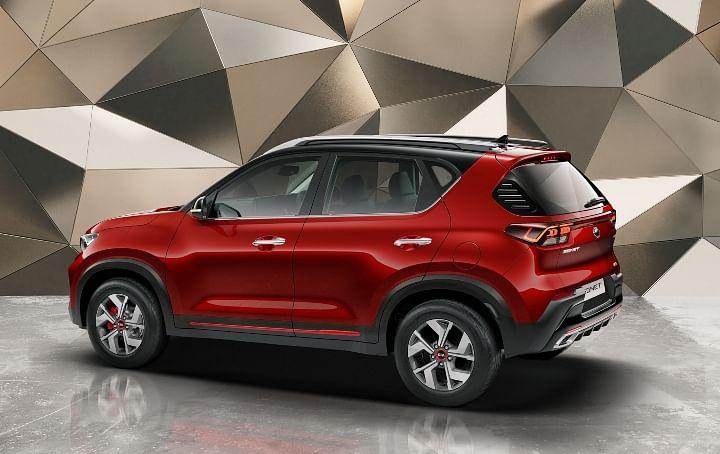 2020 Kia Sonet vs Hyundai Venue BS6 top models