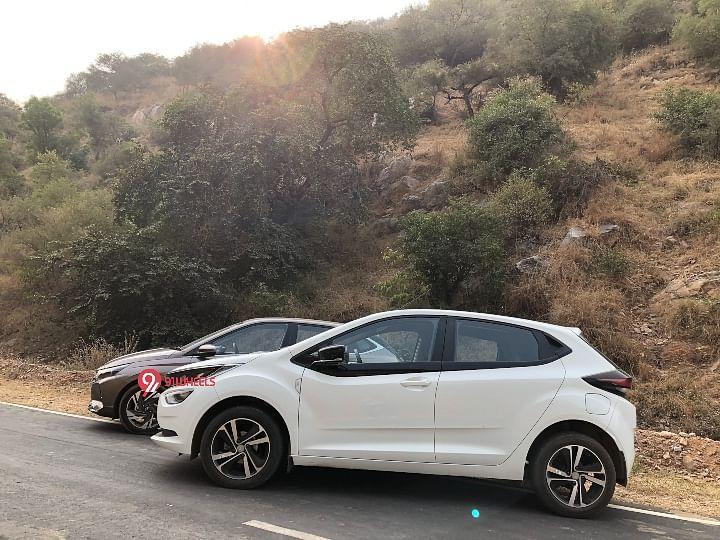 2020 Hyundai i20 vs Tata Altroz Image