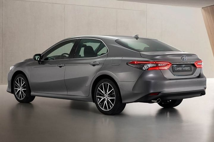 2021 Toyota Camry Hybrid Facelift Price in India