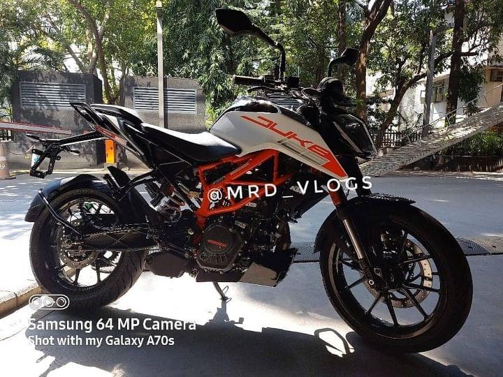 2021 KTM Duke 125 BS6 Review