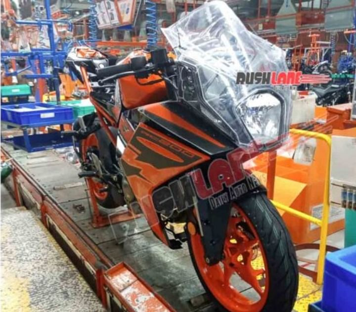 2021 KTM RC 200 BS6 Spied in India