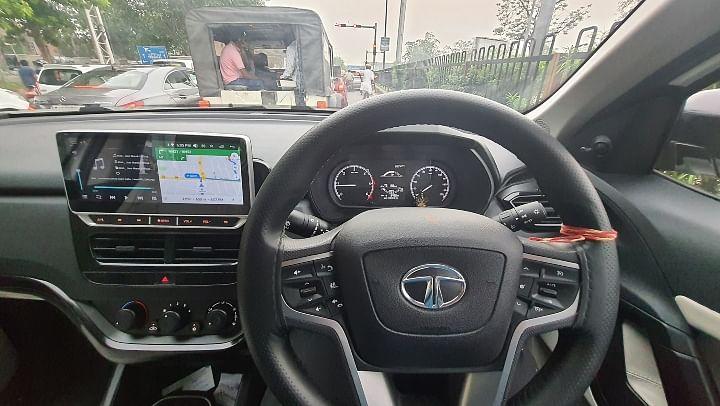 Tata Safari XE Modified Touchscreen