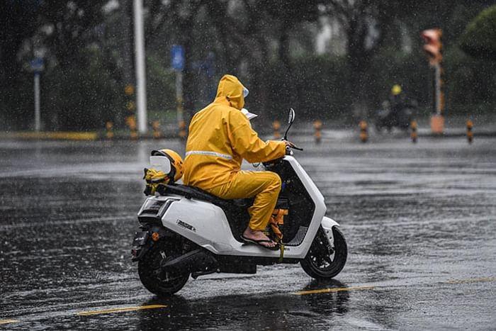 EV in rain