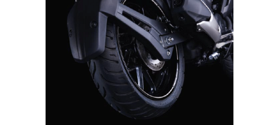Yamaha FZS FI BS6 Tyres, Brakes and Features